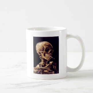 Mug Crâne avec la cigarette brûlante peignant Van Gogh