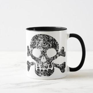 Mug Crâne usé et os croisés