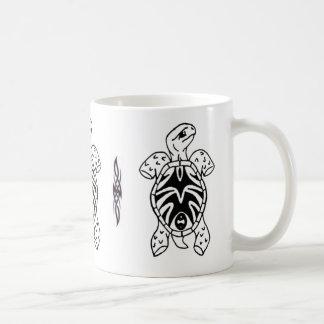 Mug croquis tribal de tortue