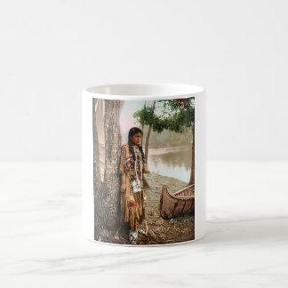 Mug Cru 1897 de Hiawatha de Natif américain de