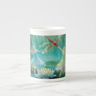 Mug Danse des libellules rouges par Lynne Bellchamber