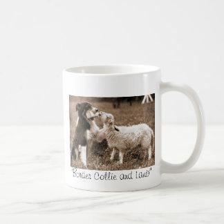 """~Mug de """"border collie et d'agneau """" Mug Blanc"""