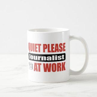 Mug De tranquillité journaliste svp au travail