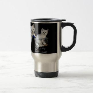 Mug De Voyage Deux chatons blancs avec le caddie sur black.JPG