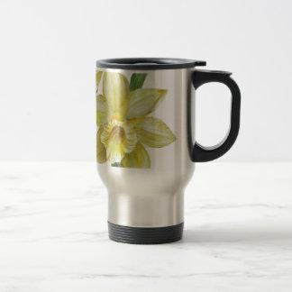 Mug De Voyage Illustration de portrait de fleur de jonquilles