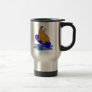 Mug De Voyage L'imbécile le morse va surfer