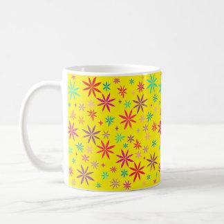 Mug Douche de fleur sur le jaune