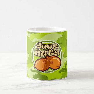 Mug Écrous de Deez ; camo vert clair, camouflage