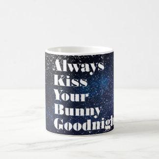 Mug Embrassez toujours votre typographie de lapin
