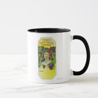 Mug Étiquette bien choisi de raisins de Keuka de lac
