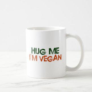 Mug Étreignez-moi que je suis végétalien