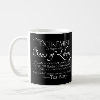 Mug Extrémiste dangereux : Affiche de style de 18