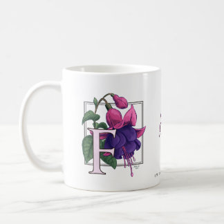 Mug F pour le monogramme fuchsia de fleur