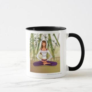 Mug Femme s'asseyant en position de lotus, méditant