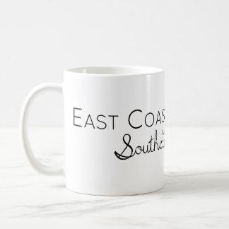 Mug Fille de Côte Est avec le charme du sud de belle
