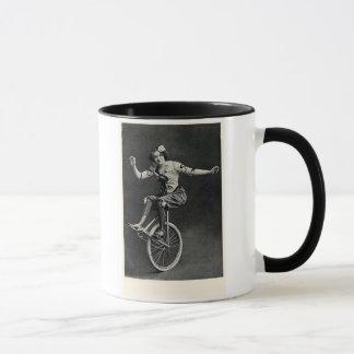 Mug Fille sur un monocycle