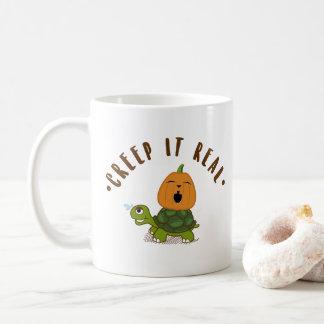 "Mug ""Fluage il vrai"" rire de citrouille de tortue"