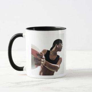 Mug formation de jeune femme, volleyball