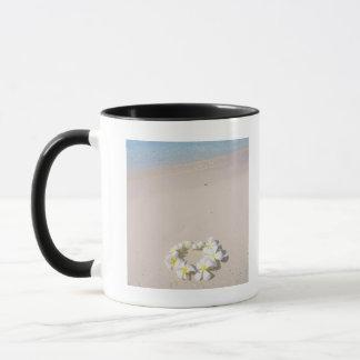 Mug Frangipani sur la plage