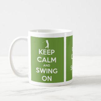Mug Gardez le calme et balancez sur le vert
