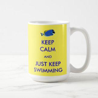 Mug Gardez le calme et continuez juste la natation
