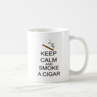 Mug Gardez le calme et fumez un cigare