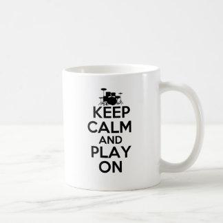 Mug Gardez le calme et le jeu sur (les tambours)