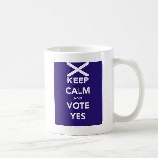 Mug Gardez le calme et votez oui