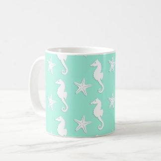 Mug Hippocampe et étoiles de mer - blanc sur l'aqua
