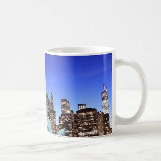 Mug Horizon de Manhattan et la statue de la liberté