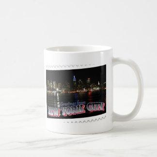 Mug Horizon de New York à l'état d'empire de nuit