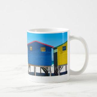 Mug Huttes brillamment peintes de plage