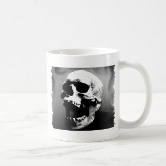 Mug Hysteriskull riant le crâne humain