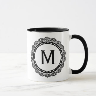 Mug Initiale noire et blanche de coutume de médaillon