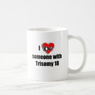 Mug J'aime quelqu'un avec la trisomie 18