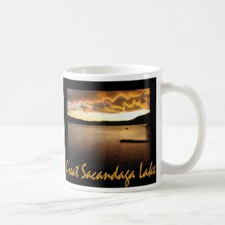 Mug Jaune de coucher du soleil de Sacandaga