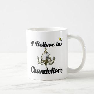 Mug je crois aux lustres