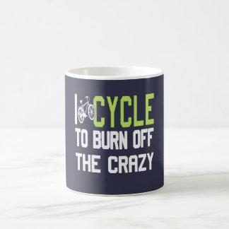 Mug Je fais un cycle pour consommer le fou