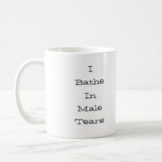 Mug Je me baigne dans le noir masculin de larmes