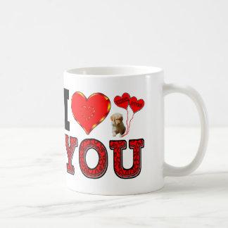 Mug Je t'aime avec le chiot et étreint et embrasse des