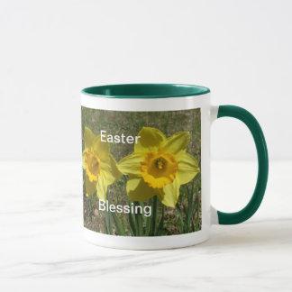 Mug Jonquilles de jaune de Bénédiction-Deux de Pâques