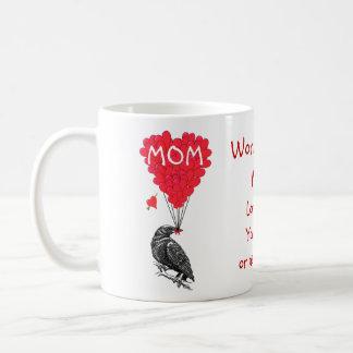 Mug Jour de mères drôle personnalisé de corneille