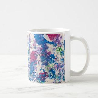 Mug Juste pour l'oeuvre d'art de Gina à côté de
