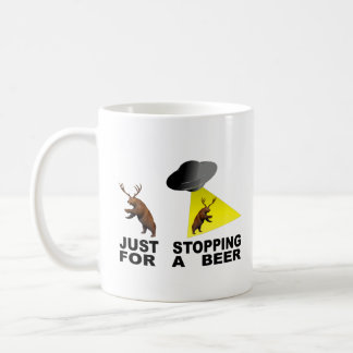Mug Juste s'arrêtant pour une bière