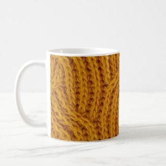 Mug Knit câblé par fil jaune