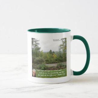 """Mug La citation """"route de sagesse de Robert Frost"""