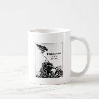 Mug La liberté n'est pas libre