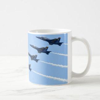 Mug La ligne d'anges bleus font une boucle côte à côte