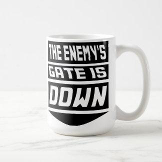 Mug La porte de l'ennemi est en baisse