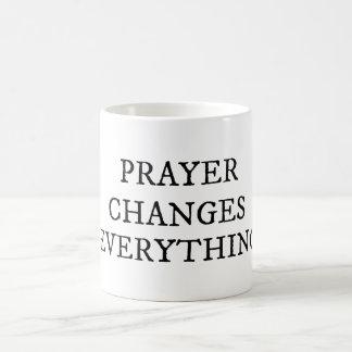 Mug La prière change tout citation chrétienne